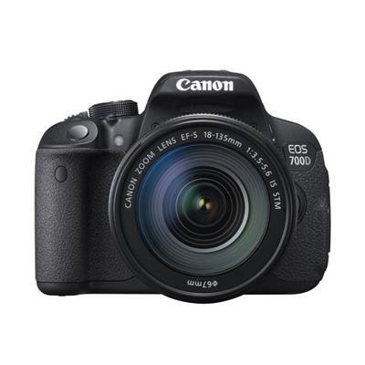 Canon  700D + 18-135mm IS STM Lens  DSLR Fotoğraf Makinası